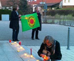 Mahnwache in Haimhausen gegen Atomkatastrophe in Japan
